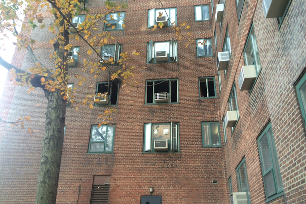 Stuyvesant town fire leaves one person hurt fdny says for Stuyvesant town new york