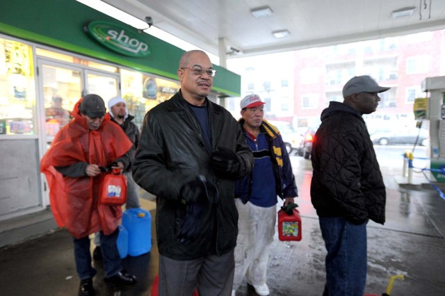 <p>People took their gas cans to a BP station in Williamsburg.</p>