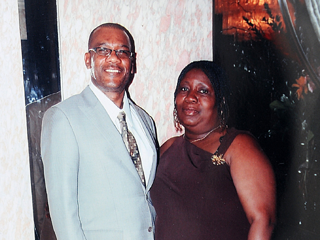 <p>A family photo of Raymond and June Facey.</p>