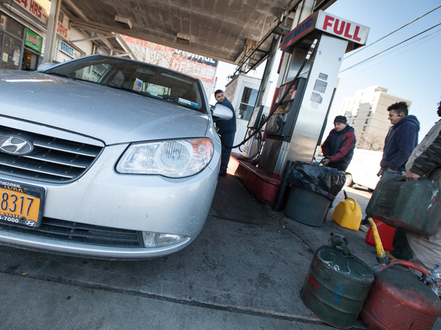 <p>Drivers with odd license plates and local residents line up for gas in Long Island, Queens on Nov. 9th, 2012.</p>