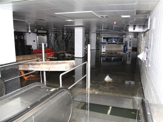 <p>The South Ferry subway station was filled with water as the MTA resumed cleanup efforts on Oct. 31, 2012.</p>