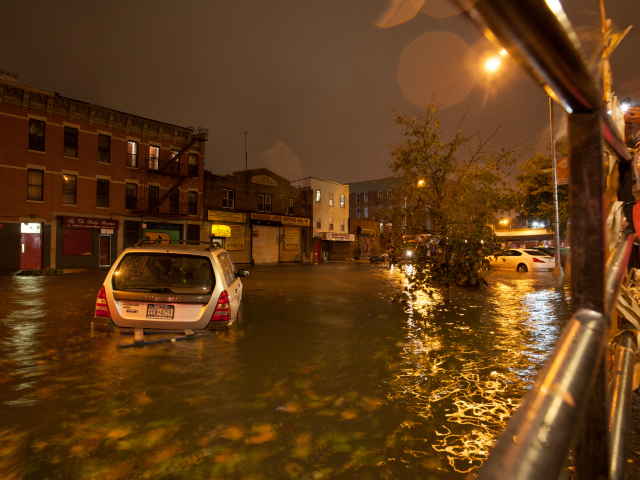 <p>Erik Fuller, a photographer and Clock Tower resident, captured images of the flooding around Bruckner Boulevard and Lincoln Avenue.</p>