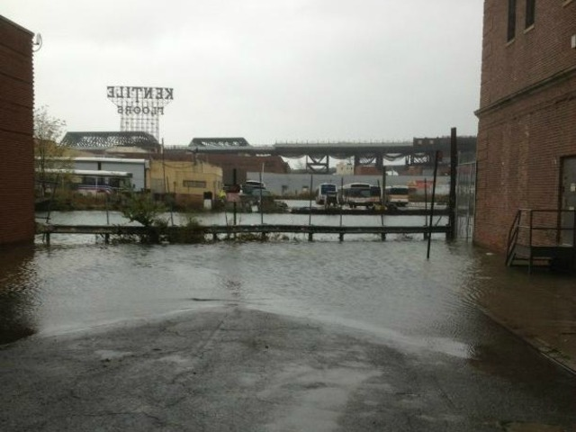 <p>The water floods Gowanus on Monday October 29, 2012.&nbsp;</p>