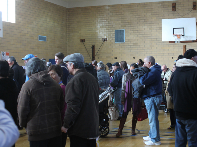<p>Long Lines greeted voters at P.S. 214 in Flushing on Nov. 6.</p>
