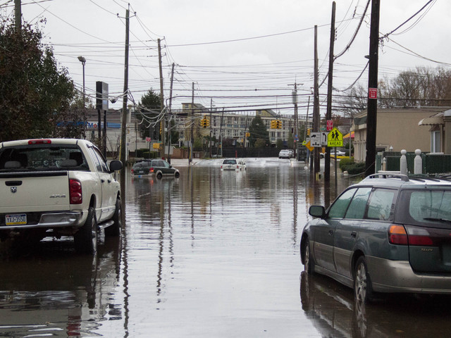 <p>Midland Avenue and&nbsp;Hylan&nbsp;Boulevard in Grant City were still flooded the morning of Tuesday October 30, 2012, after Hurricane Sandy struck Staten Island.</p>