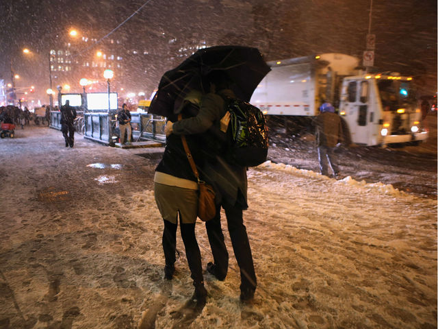 <p>Pedestrians walk through high winds and snow at Union Square on November 7, 2012 in New York City. The city was hit by a Nor&#39;Easter storm, just ten days after Superstorm Sandy ravaged the tri-state area.</p>