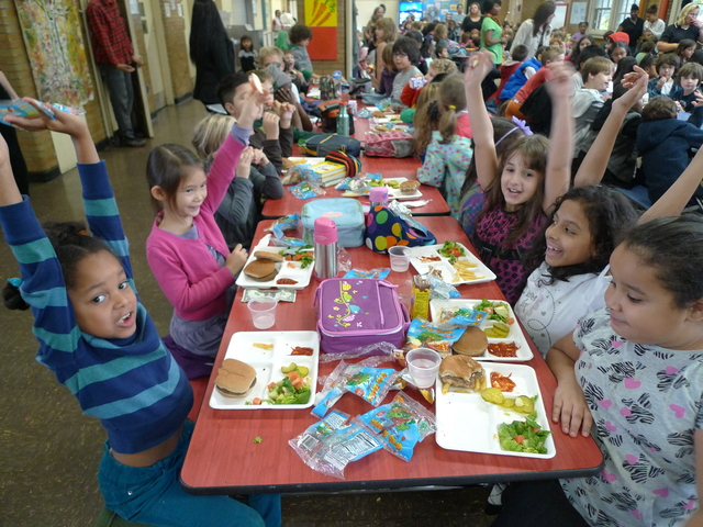 <p>Students at P.S. 10 ate apples as part of a citywide effort to set a world record for simultaneous apple crunching.</p>