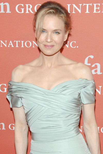 <p>Renee Zellweger at the Fashion Group&#39;s NIght of Stars Gala at Cipriani Wall Street, Thursday, October 25, 2012.</p>