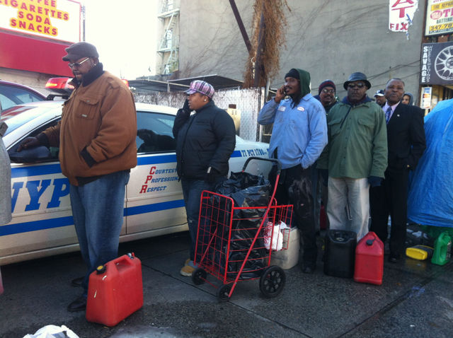 <p>Police made sure the line at a Clinton Hill Shell station was orderly.</p>
