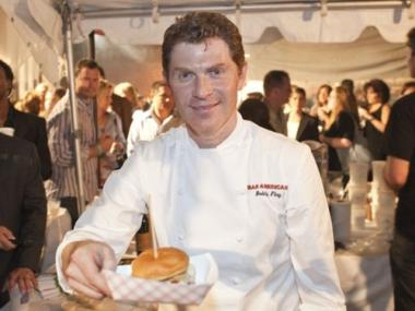 Bobby Flay will settle a lawsuit with his former workers for $800,000.