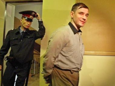 Igor Sutyagin, seen here being transported to a Russian courtroom in 2002, has been imprisoned since 1999 for espionage on behalf of the C.I.A.