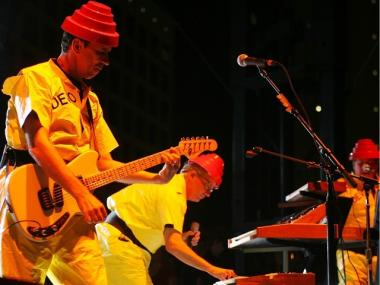 Bob and Mark Mothersbaugh of Devo.