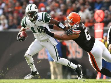 Braylon Edwards catches a pass in the Jets win against the Browns on Sunday.