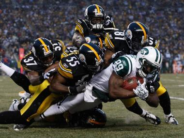 The Steelers special teams tackle Jerricho Cotchery during Sunday's game.
