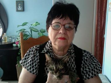 Alexandra Kroutchinina, 75, who only speaks Russian, was forced to hand over her gray Tabby cat, Mimi, to Amtrak employees after they said she couldn't board with a pet.