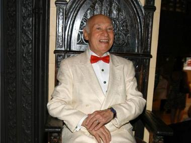 George Lang, the spirit behind Cafe Des Artistes on the Upper West Side, has died. He was 86.