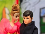 Artist Turns Tales of Dating Disasters Into Puppet Shows