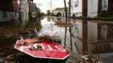Staten Islanders Rely on Each Other While Waiting for Relief After Sandy