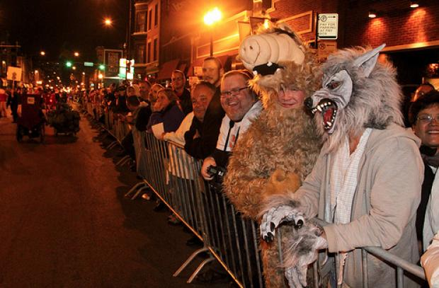 Halloween Parades Gear Up In Chicago Lincoln Park
