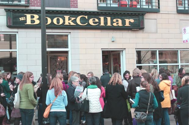 Smitten Kitchen author draws huge crowd at Lincoln Square's Book Cellar.