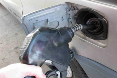 Local drivers are seeing gas prices close to a dollar a gallon lower than just four months ago.