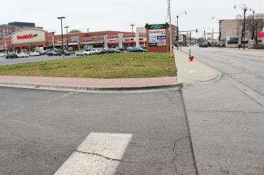 The empty lot is operated by Gateway Centre, which also houses a Dominick's grocery store.