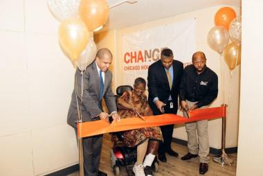 Ald. Will Burns (4th), Lake Parc Place resident Hattie Taylor, CHA CEO Charles Woodyard and CHA resident and Tech Center employee Vincent Clifton cut the ribbon Wednesday at the Lake Parc Place Technology Center Grand Opening.