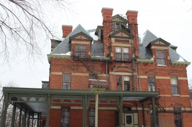 The historic Hotel Florence in Pullman got a $3.5 million makeover, but will it be enough to attract a restaurant?