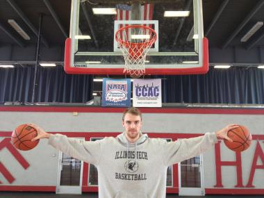 Illinois Institute of Technology senior Ian Sisson is the Scarlet Hawks' best basketball player.