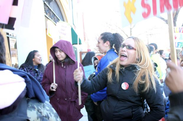 Parents, students and other Lafayette Elementary School supporters protested in front of Ald. Roberto Maldonado's (26th) office Thursday afternoon and evening.