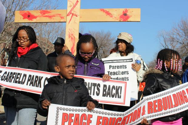 West Garfield Park Parents, Religious Leaders Protest School Closures