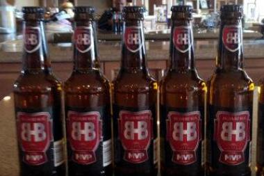 "Frank Thomas' Big Hurt Beer Company debuted a new flavor, BHB MVP. ""It's just 100 calories. It's a sipper, something you can drink every day,"" Thomas said."