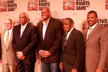 "Frank ""Big Hurt"" Thomas (c.) hopes his new juice diet helps him shed pounds. Also pictured, (from l.) White Sox owner Jerry Reinsdorf, Hall of Famer Frank Robinson, former White Sox star Minnie Minoso and White Sox Executive Vice President Kenny Williams."