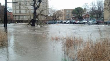 The swollen banks of the North Branch of the Chicago River in 2013.