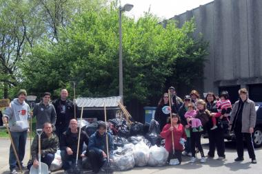 "Organizers said nearly 100 volunteers turned up for the 2012 ""Earth Day Clean and Green"" event in Bridgeport."