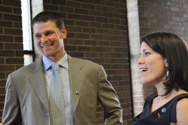 Former Cubs pitcher Kerry Wood and his wife, Sarah, just launched a scholarship program at the University of Illinois-Chicago.