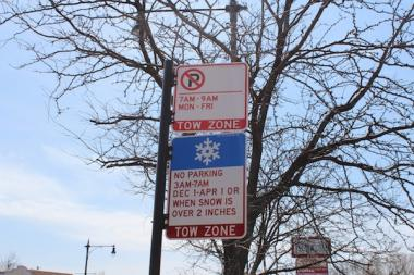 The new parking ban will prohibit parking from 7 to 9 a.m. weekdays on some West Loop streets.