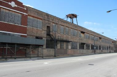 The shuttered Storkline Factory at 26th Street and Kostner Avenue. Mercy Housing Lakefront plans to turn the old factory building into multi-family rental units.