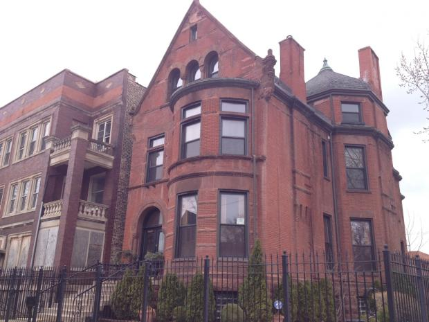 The Welcome Inn Manor bed and breakfast in Bronzeville has attracted several celebrity artists and musicians.