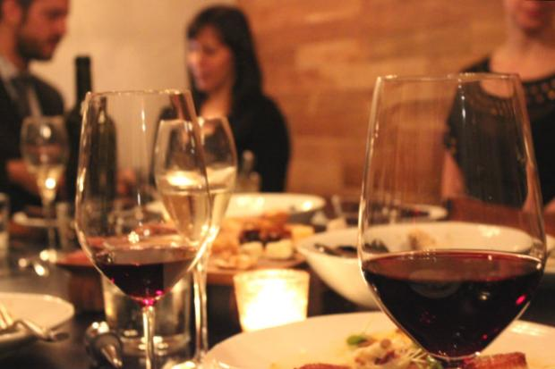 TastingRoom.com brings the wine tasting experience to your house.