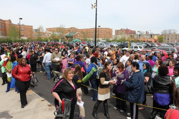 The Biggest Loser drew big crowds in Avondale Saturday when more than 1,000 people tried out for the weight loss TV show.