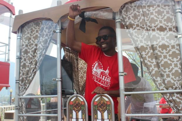 Navy Pier's Clifton Shepherd set a Guinness World Record with 384 loops on the lakefront Ferris wheel.