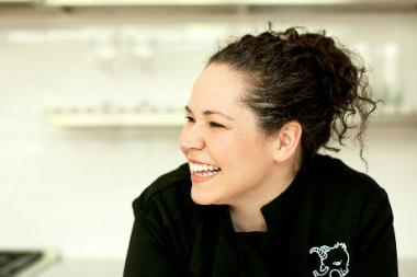 Chef Stephanie Izard's popular Little Goat Diner expands its seating — and its warm weather appeal — with a sidewalk cafe.