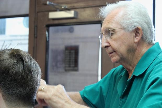 Barber Al Soehn hangs up his scissors after 41 years in North Center.