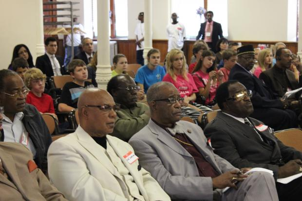 A group of South Side pastors met Wednesday with Democrats for Education Reform-Illinois to discuss a series of community meetings on education this summer.
