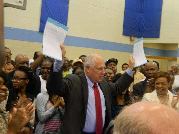 Gov. Pat Quinn stopped in Chicago  to bolster support for his changes to the concealed carry gun bill