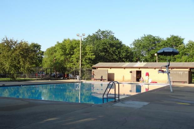 Possible drowning at avalon park pool avalon park for Garden school pool jackson heights