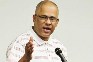 Former CeaseFire Director Tio Hardiman said he is considering running for governor in 2014.
