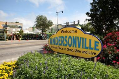 The Andersonville Chamber of Commerce said somebody has been robbing delivery drrivers from Andersonville restaurants.