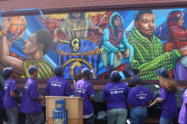 Youth mural at garrett popcorn unveiled chatham for Chicago mural group